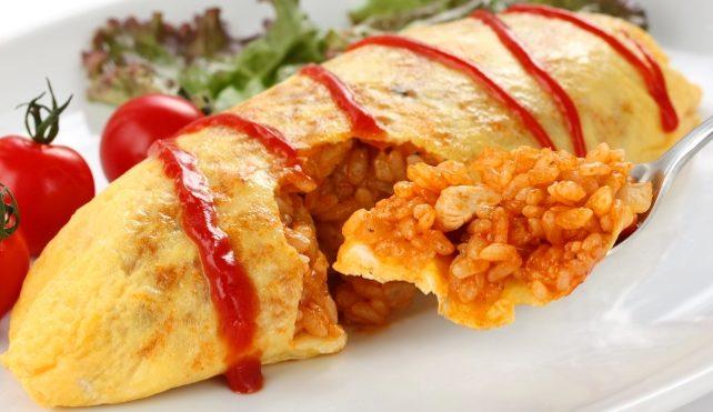Omelette di riso al ketchup