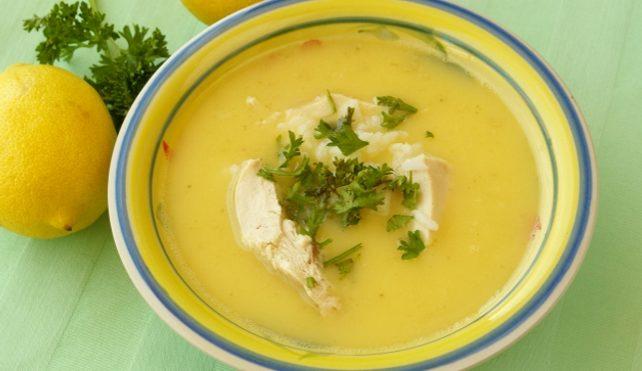 Zuppa di pollo al limone