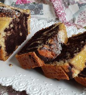 Plumcake variegato con banane e farina di riso nero