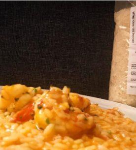 Risotto con crema di peperoni, ragù di tonno e code di gamberi -Riso Cammeo Drusiana