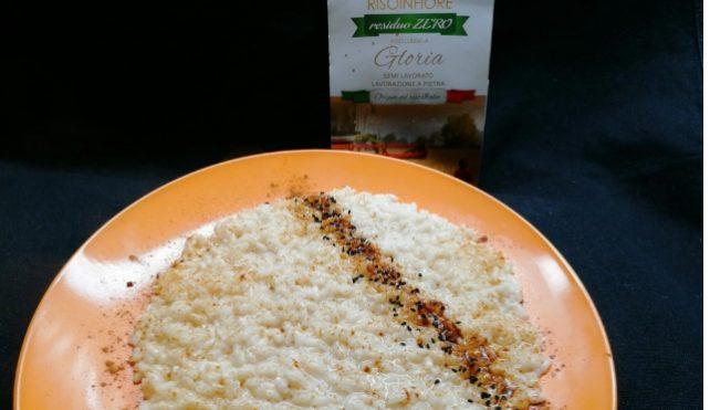 Risotto al parmigiano con liquirizia e semini di Nigella_Gloria Risoinfiore