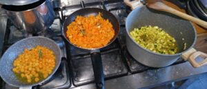 Ingredienti per il riso Venere Sapise con salmone e zucca