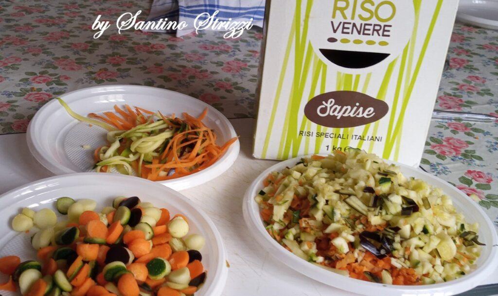 Ingredienti per il risotto a base di Venere Sapise e verdure