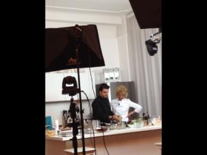 Bruna Marchisio e lo chef Antonio Marchello durante le riprese di Socialkitchen