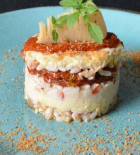 Riso ai 3 cereali con germogli di bambù all'origano, pomodorini secchi e pane atturrato