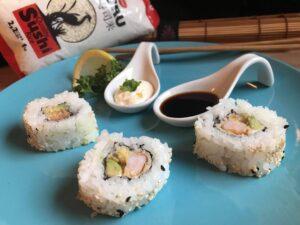 Impiattamento sushi con avocado e philadelphia-Curtiriso