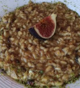 Risotto ai fichi neri, gorgonzola e pistacchi