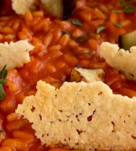 Risotto alla parmigiana con cialde croccanti di pecorino