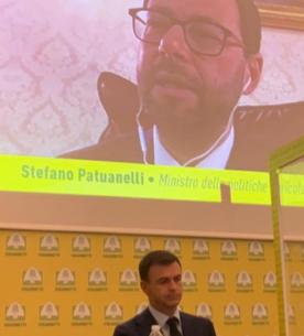 Stefano Patuanelli contro il nutriscore