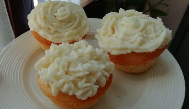 Cupcake di riso con frosting di riso