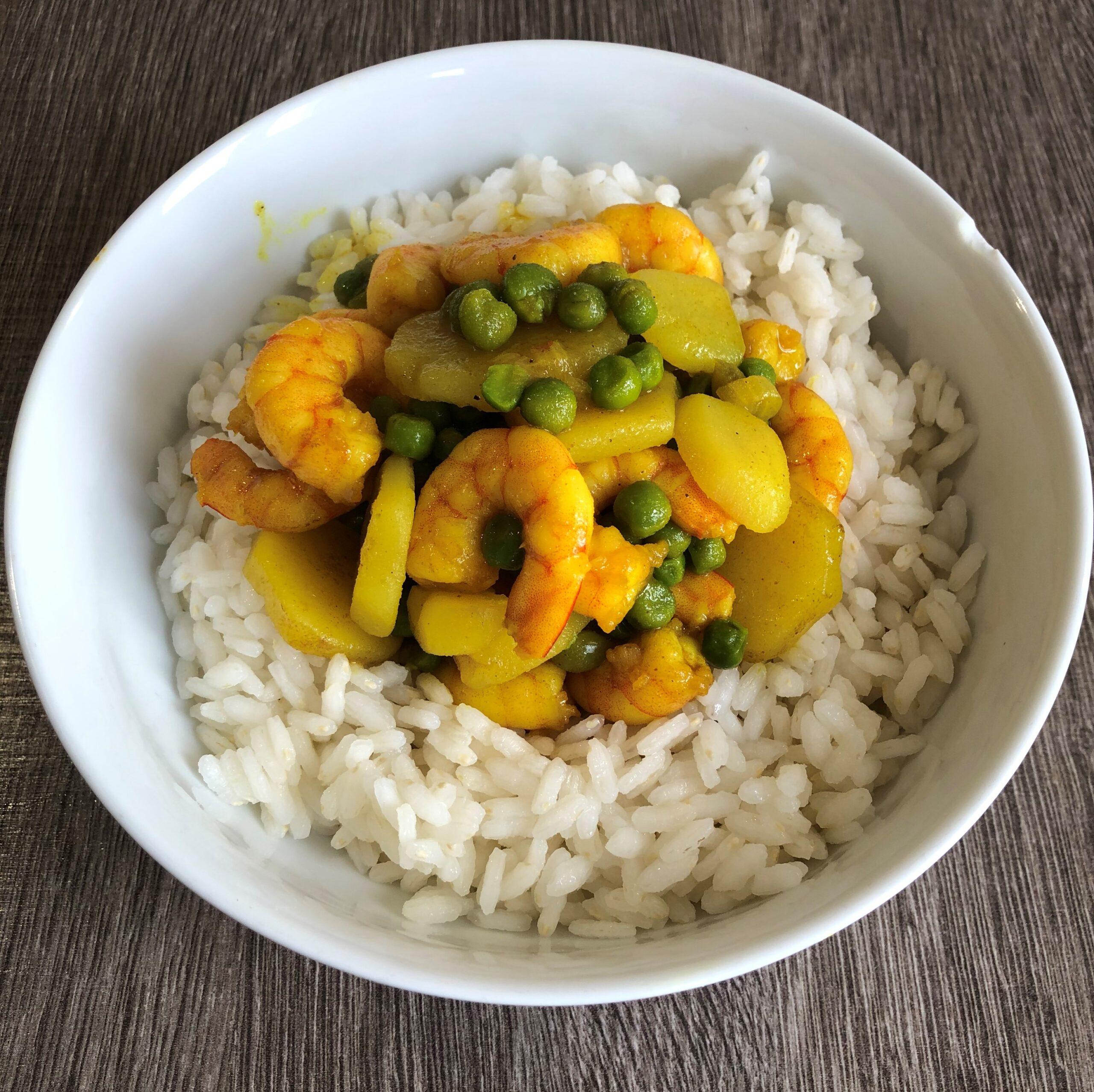 riso con curry gamberi e piselli