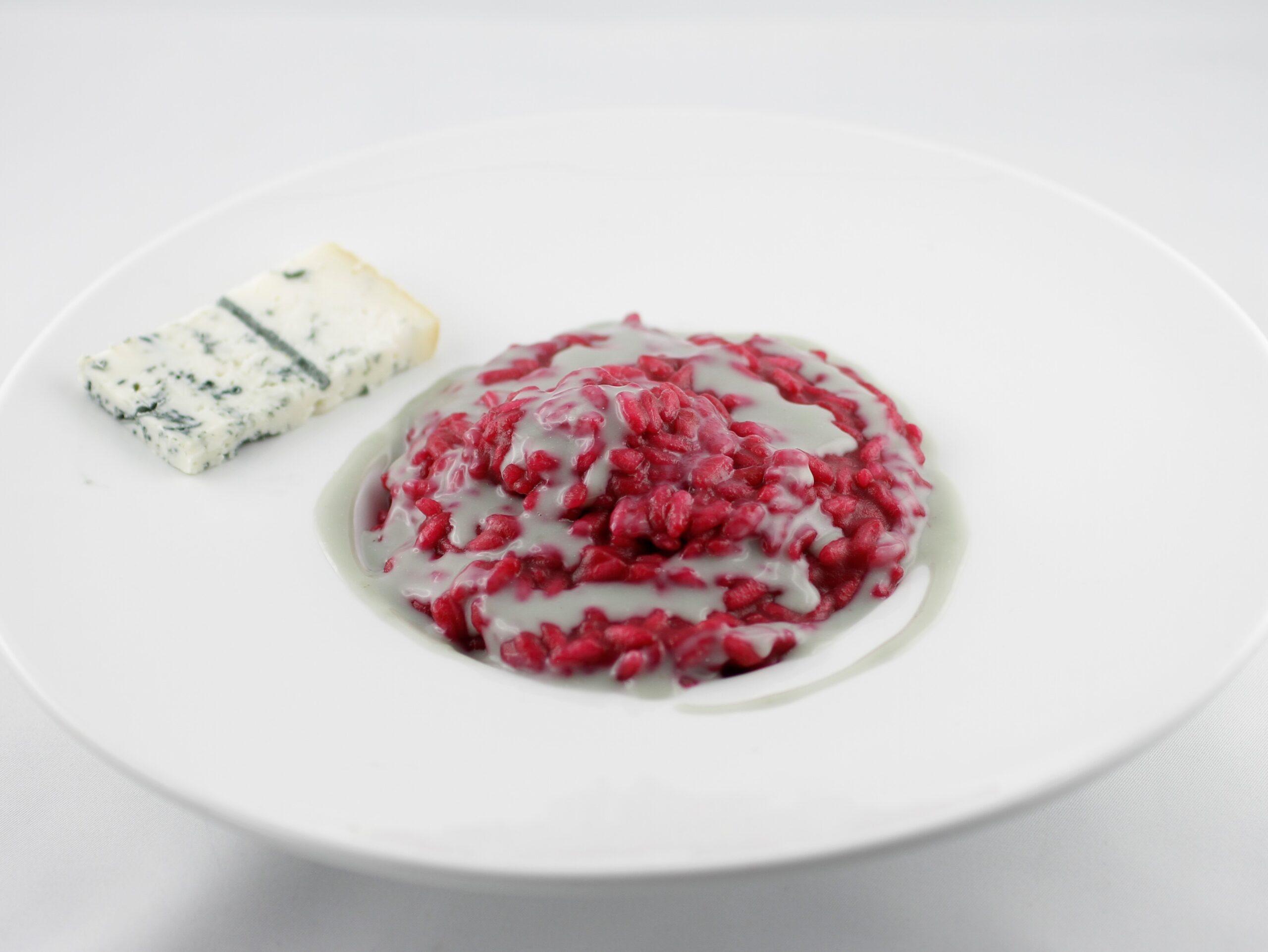 risotto alla barbabietola e crema al gorgonzola